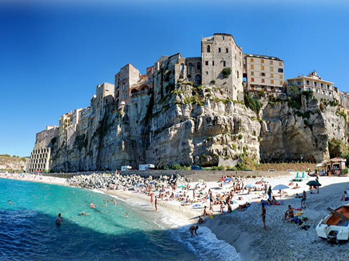 how to get to tropea italy
